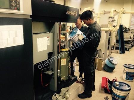 Người dùng cần chú ý kiểm tra, thay thế dầu máy nén khí trục vít trước khi sử dụng